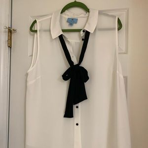 Cece tuxedo blouse, size XL